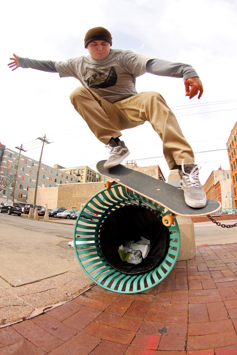 Nick Mistele, Bs Smith