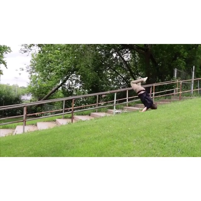 Here are some of @hankstagramofficial attempts at grinding the big 'ol rail he does at the end of his VHS part.  He said when he grinded all the way to the end and fell (twice in a row) that it was the saddest thing to ever happen to him.  Check out the victorious make on wiskate.com! 📼⚡️📼