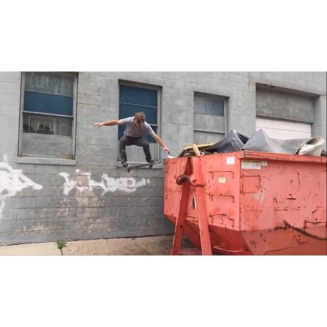 @hankstagramofficial losing his mind in between Kramer takes.  #wiskate #hank 🐳