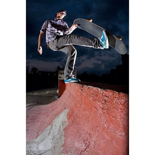 @instacramps bean plant to fakie. 🐳⚡️🐳