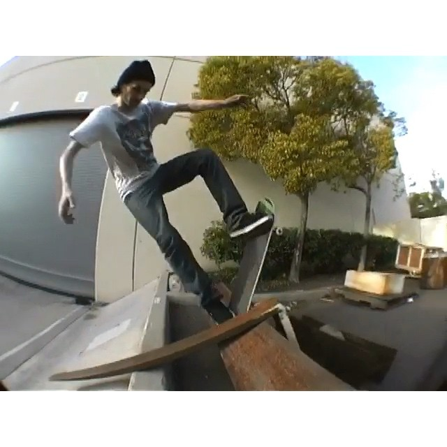 """Just came across this footage of John Rattray swarming on forklift debris that was supposed to be for Beez 4 😞 I think they skate this same spot in Hokus Pokus during """"Night Session"""", minus the debris. 2008. 🐝🐝🐝🐝 #wiskate #beez4 #killabeez @ratt_ray"""