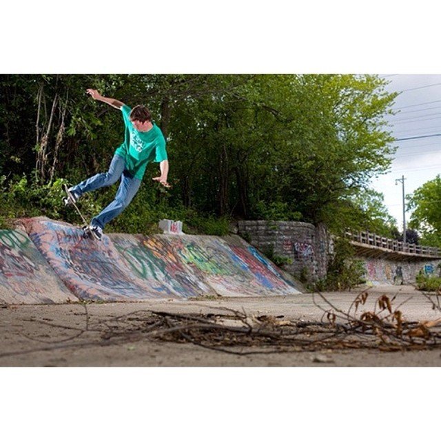My boy Billy Bloggins with a switch pivot fakie.  @creamcity #soaker #wiskate #jojopotatoes