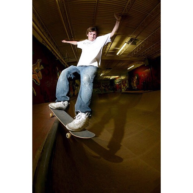 RIP the old bowl, long live the new bowl.  @creamcity Smith, 2007.  #wiskate #milwaukeeskateboarding #longsack